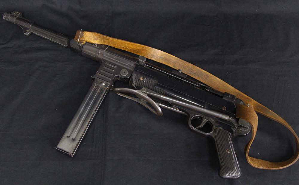 MP40 シュマイザー 金属製モデルガン SMGマーク入り