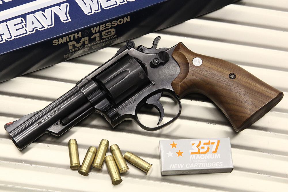 S&W NEW M19 .357マグナム 4インチ HW スムースタイプ木製グリップ モデルガン