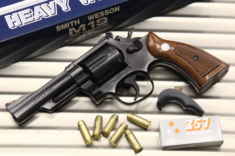 S&W NEW M19 .357マグナム 4インチ HW チェッカー入り木製グリップ モデルガン