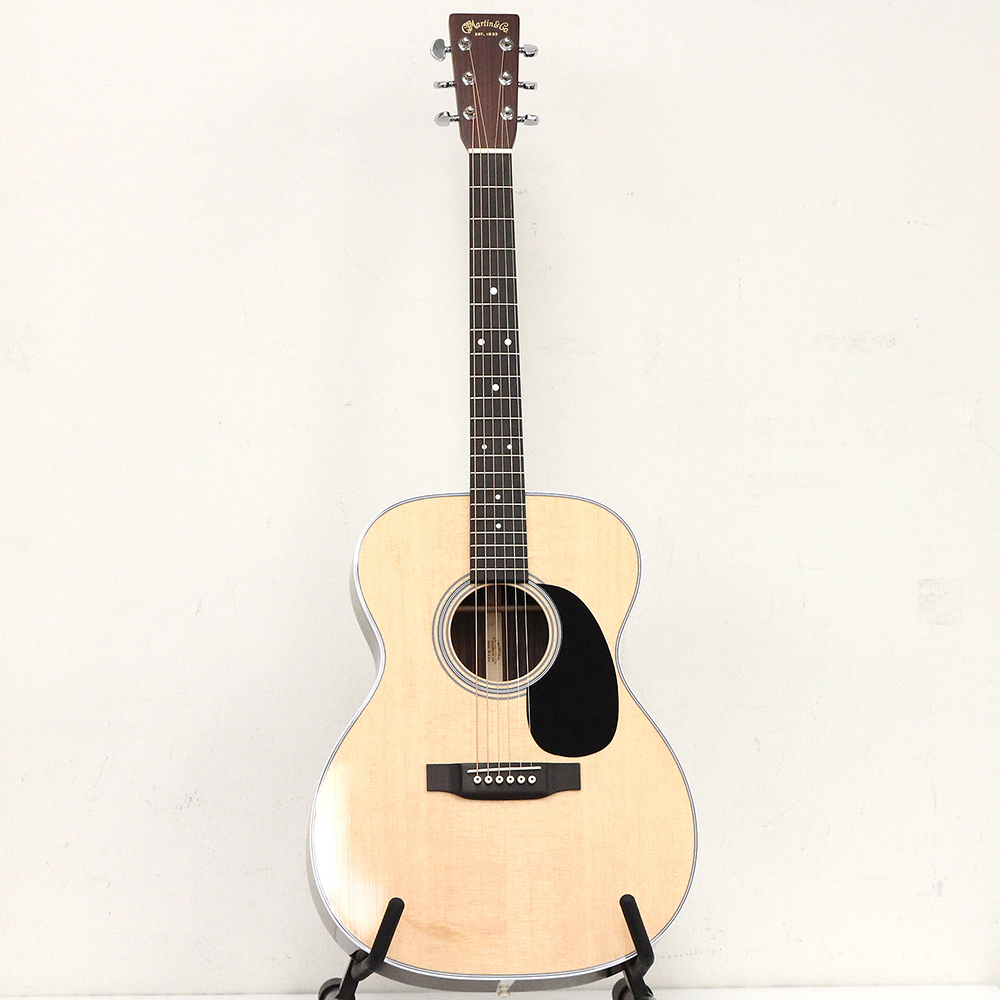 OOO-28 アコースティックギター