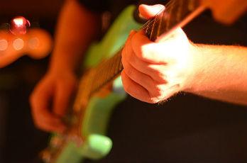 楽器のメンテナンス ギター、ベースのお手入れ方法