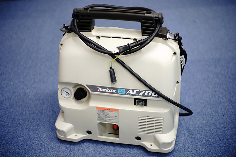 Makita AC700 エアコンプレッサ